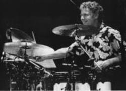 BILL BRUFORD image groupe band picture