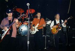 WISHBONE ASH image groupe band picture