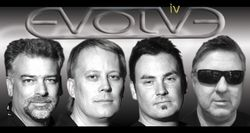 EVOLVE IV image groupe band picture