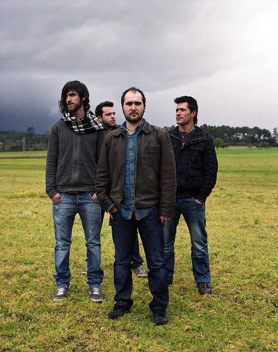 INDIGNU image groupe band picture