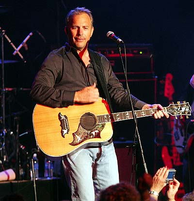KEVIN COSTNER AND MODERN WEST image groupe band picture