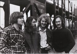 CREEDENCE CLEARWATER REVIVAL image groupe band picture